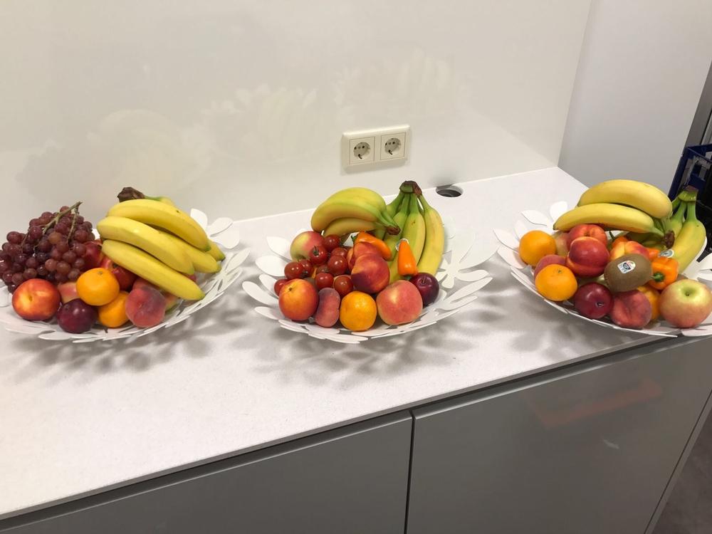 Fruit Op Kantoor : Gezonde werknemers dankzij planten en fruit op kantoor youtube